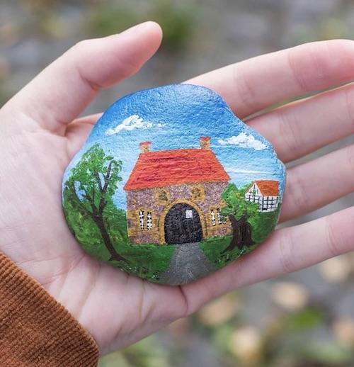 Bemalter Stein vom Steinekunstwerk in Bielefeld