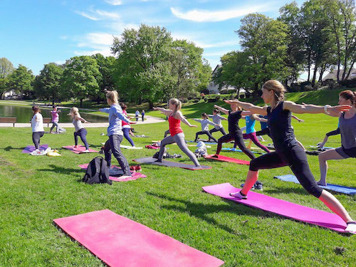 Yoga im Bürgerpark Oetkerpark Bielefeld