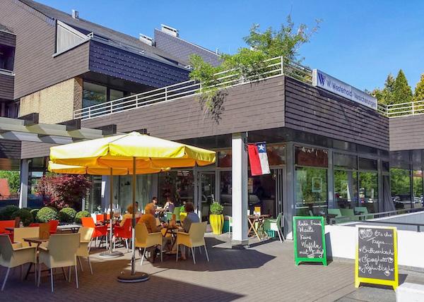 Terrasse des Eiscafé los Andes in Bielefeld West