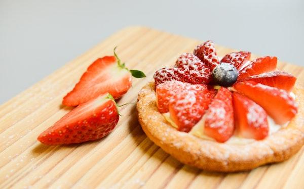 Erdbeerkuchen mit selbstgepflückten Erdbeeren in Bielefeld