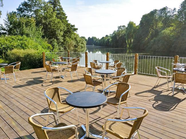 Terrasse mit schöner Aussicht am Café Lutterterrasse Bielefeld