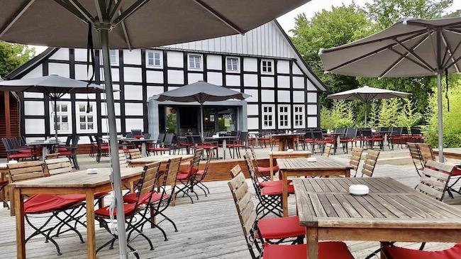 Wirtshaus 1802 Bielefeld Draußen Sitzen beste Terrasse