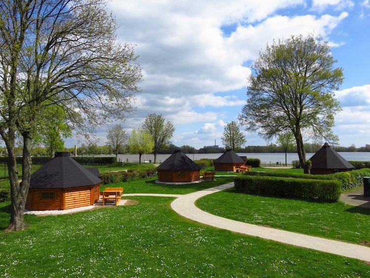 Trekking Hütten des Glamping am Wisseler See Badestrand Bielefeld und Umgebung