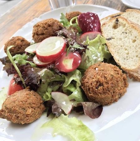 Vegan essen im Moccaklatsch in Bielefeld