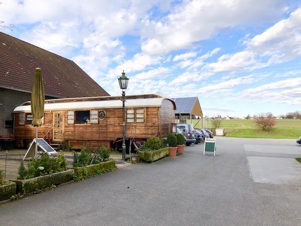 Café im Circuswagen Koeckerhof