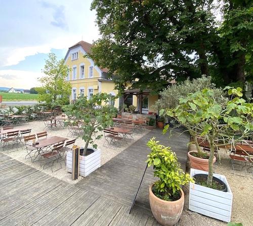 Terrasse mit schöner Aussicht im Runkelkrug Bielefeld